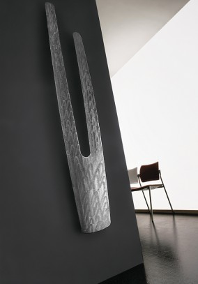polished finishing vertical radiator