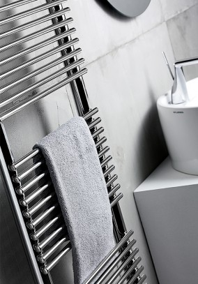 electric towel warmer detail
