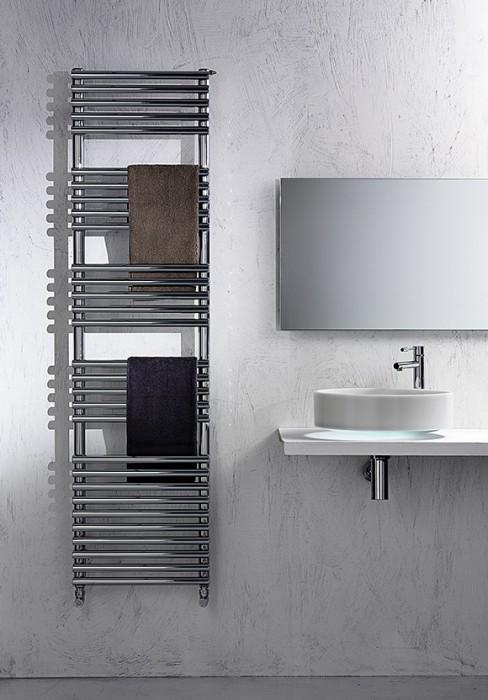 Radiatore elettrico bagno dal design pulito a sviluppo verticale - Scaldasalviette elettrico per bagno ...
