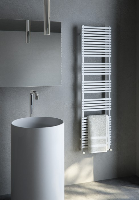Electric Towel Warmer With Rectangular Carbon Steel Tubes