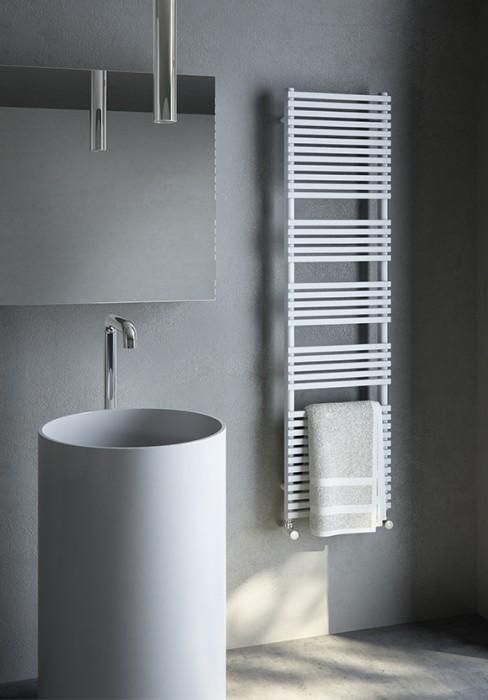 Termoarredo elettrico per bagno con elementi rettangolari in acciaio al carbonio - Termoarredo per bagno ...