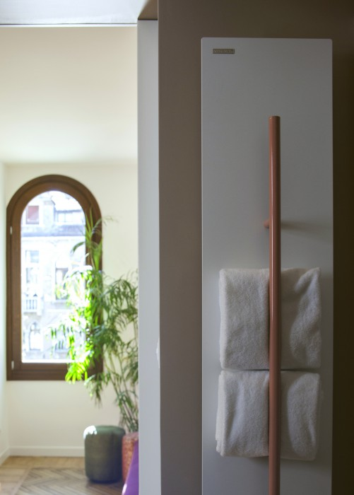 vertical radiator towel rail