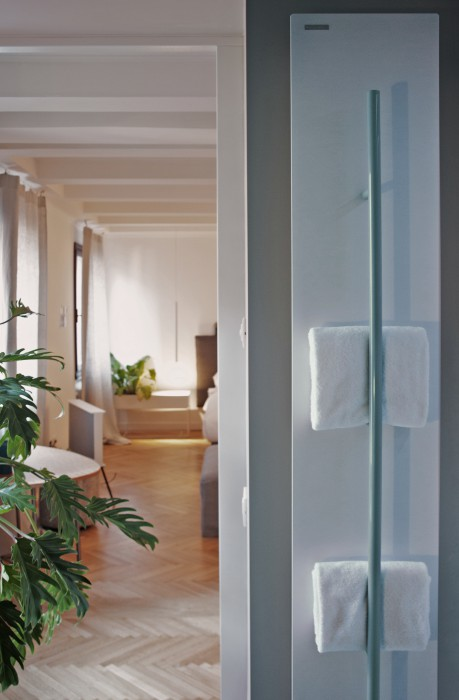 vertical modern towel rail