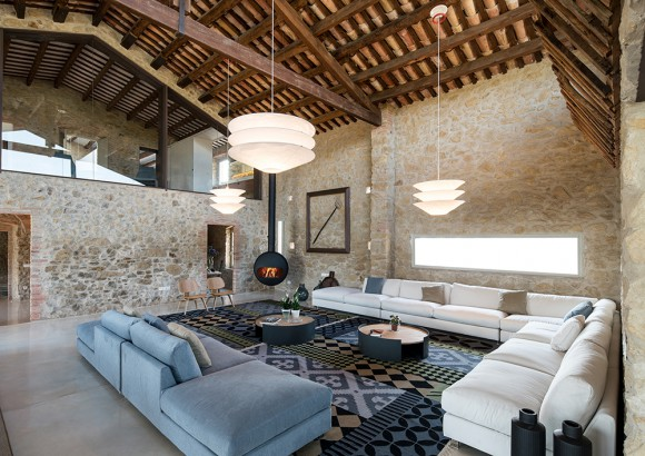 chemin e suspendue con ue pour meubler. Black Bedroom Furniture Sets. Home Design Ideas