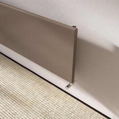 radiateur en acier caract ris par une plaque en acier cintr aux c t s. Black Bedroom Furniture Sets. Home Design Ideas